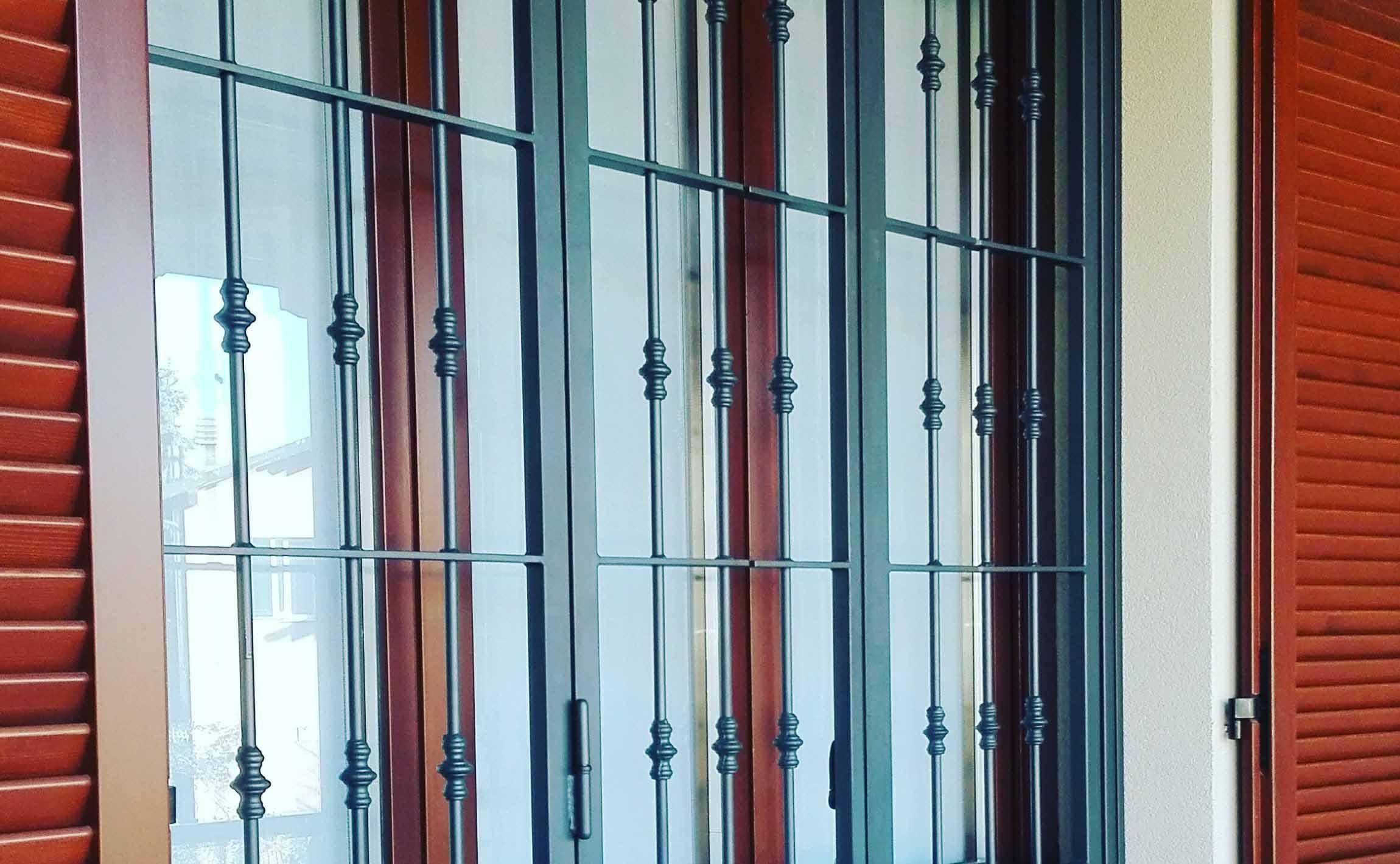 Inferriate e grate di sicurezza slcm srl produzione - Inferriate per finestre detrazioni fiscali ...